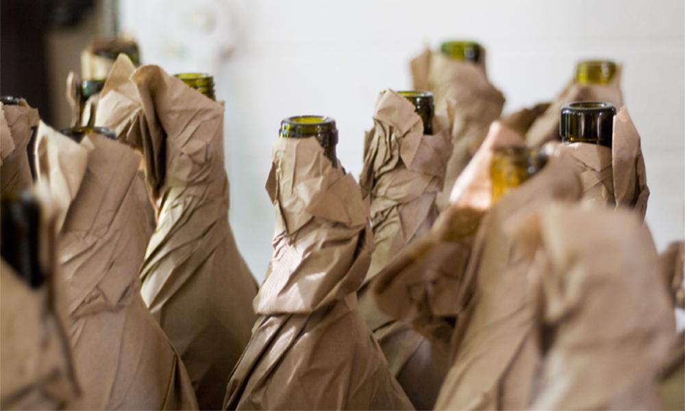 Blindverkostung Samovino Weinflaschen