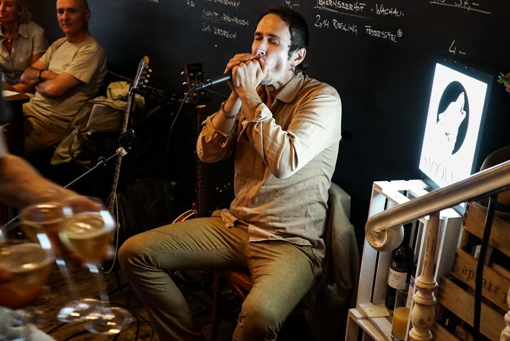 Mr. Zarko (solo) mit serbischer Volksmusik