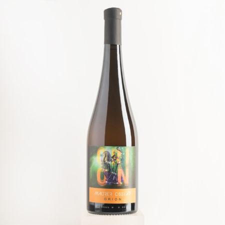 medenac-beli-honigler-orangewein-aus-serbien-online-kaufen-direkt-vom-weingut-oszkar-maurer